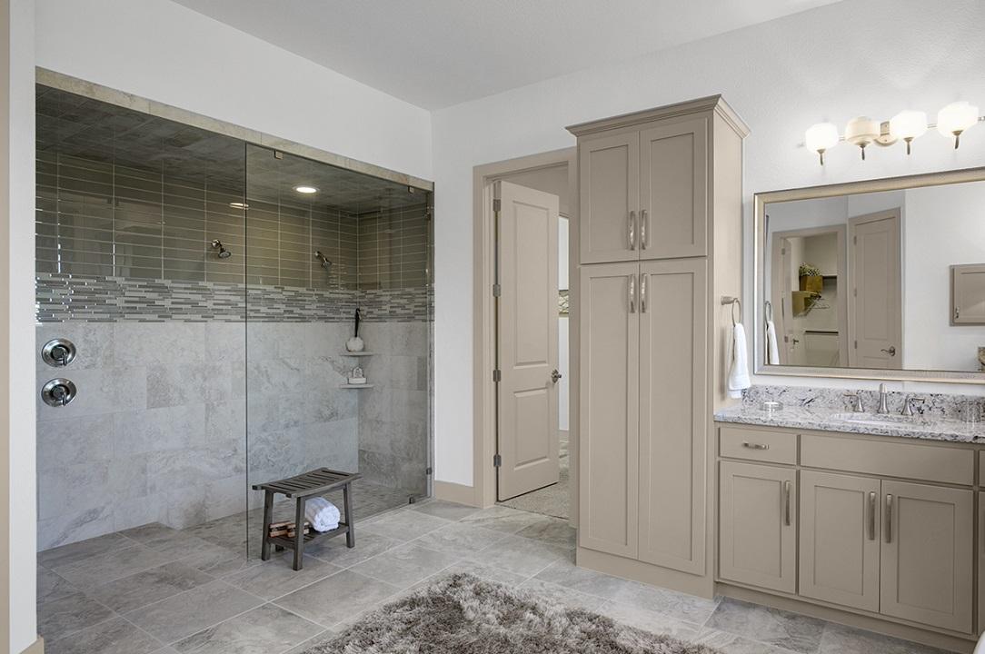 Dallas, Texas | Sabine Park - Oriole Walk-in Shower
