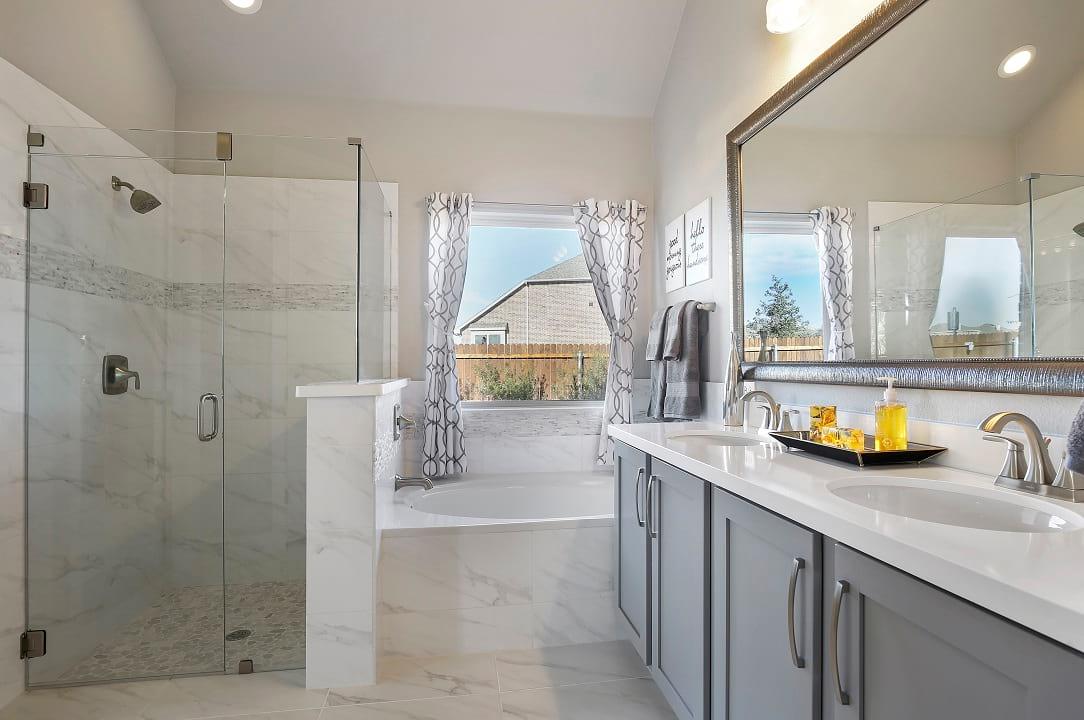 Classic Master Bathroom Design Ideas