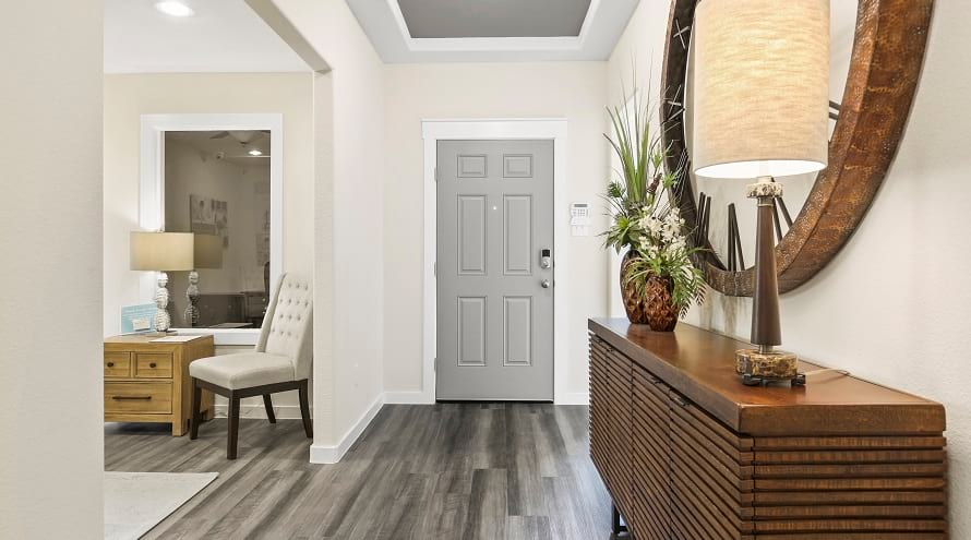 1.10 Hallway Decor