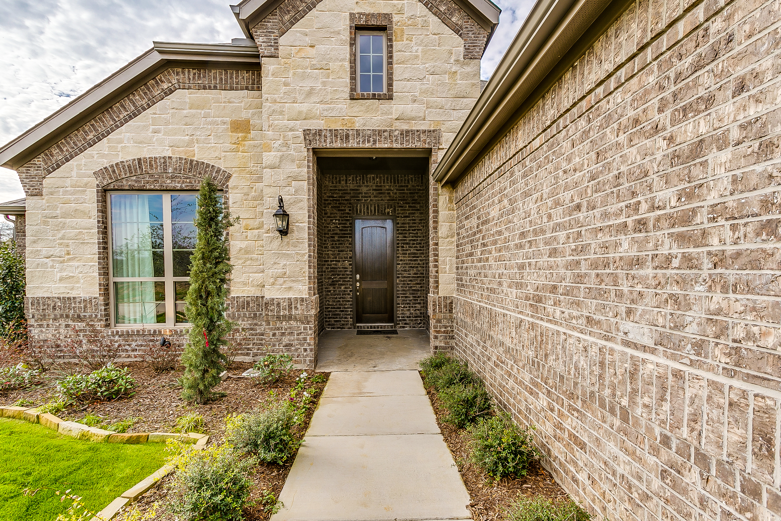 1913 Silver Falls - New Home for Sale in Burleson - 4