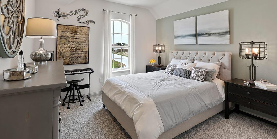Rosewood Guest Bedroom - Talon Hill